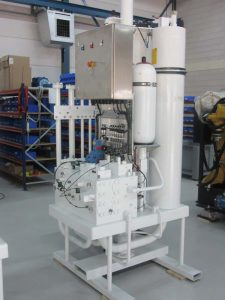 Active heave hydraulic system for water injection dredger
