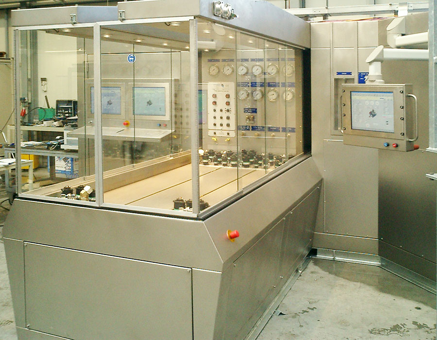 Test bench for aircraft equipment, part of the non rotating component test benches developed by Hycom