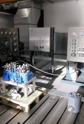 Hydraulic system for testing hydraulic components