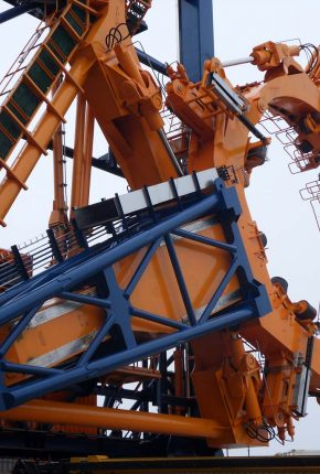 Turn-key hydraulic system for offshore wind applications
