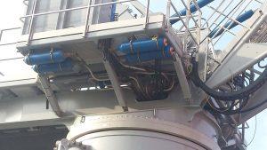 Hydraulic accumulatorson a heave compensated gangway