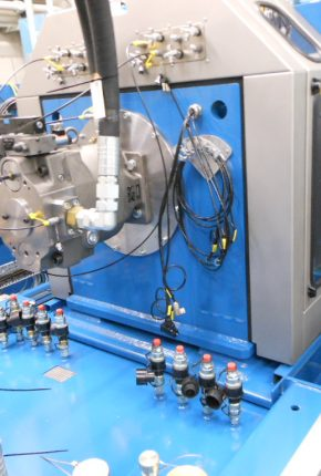 Close up hydraulic system remanufacturing test bench
